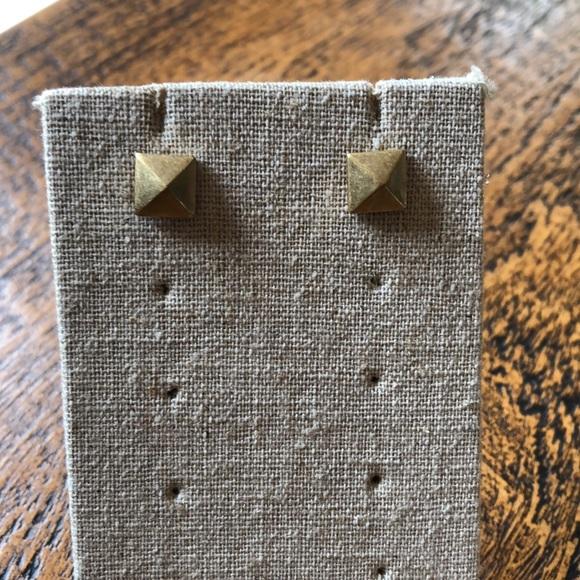 Stella & Dot Jewelry - Stella Studs